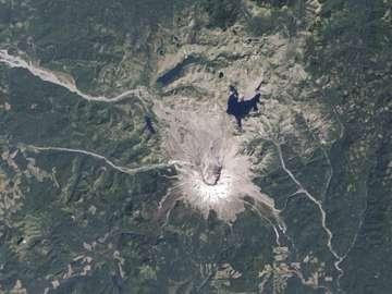 Le mont Saint Helens et sa région, photographiés par Landsat en 2010. © Nasa/USGS/EO