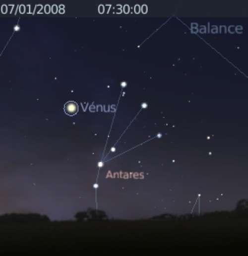 La planète Vénus est proche de l'étoile Antarès