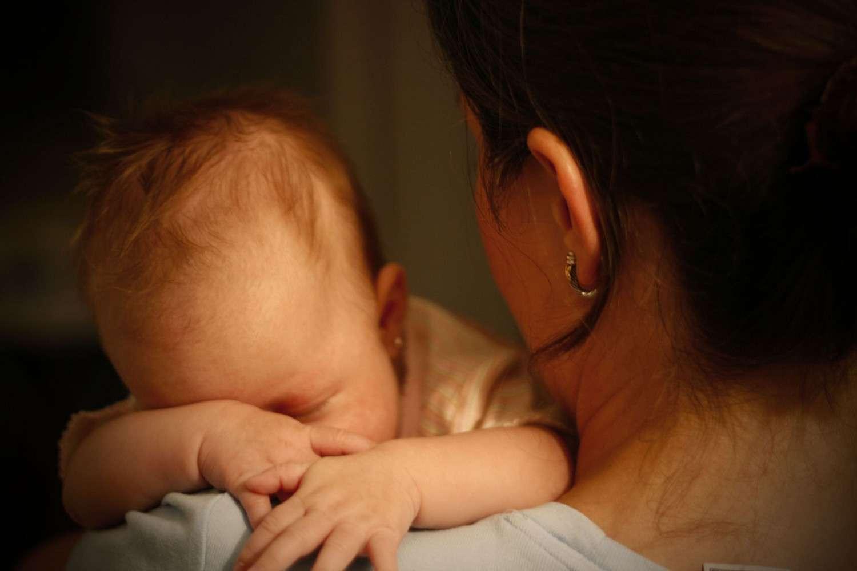 Les parents devraient penser à chanter une berceuse pour calmer les pleurs de leur enfant. © Juan Camilo Trujillo, Flickr, CC by 2.0