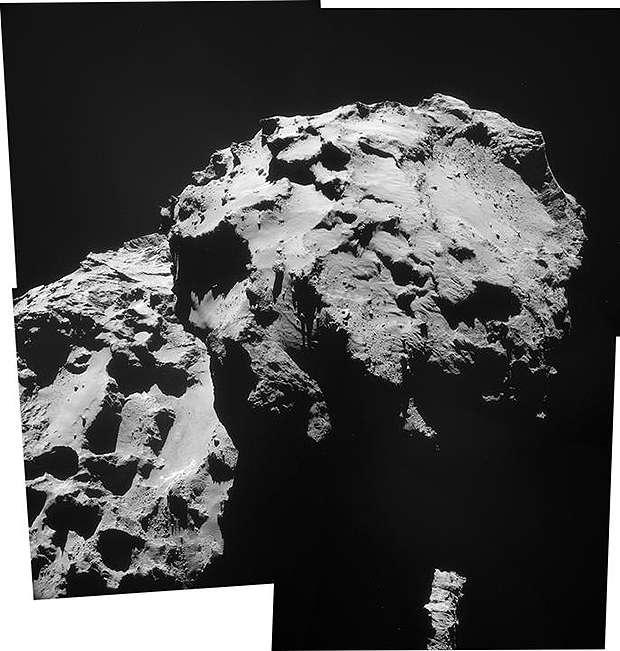 Assemblage des images de la NavCam prises le 17 décembre. Le site d'atterrissage visé se situe à gauche de la dépression visible sur le petit lobe de 67P et le site d'atterrissage final doit se situer sur la droite. © Esa, Rosetta, NavCam