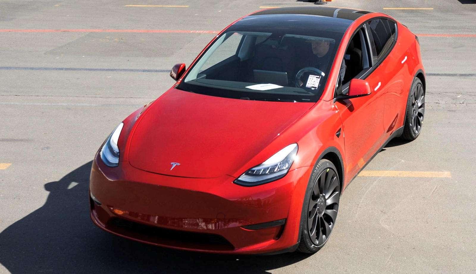Le SUV électrique de Tesla pourrait sortir avant l'été. © Tesla