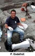 Recherche squelette fossilisé d'iguanodon à la frontière russo-chinoise