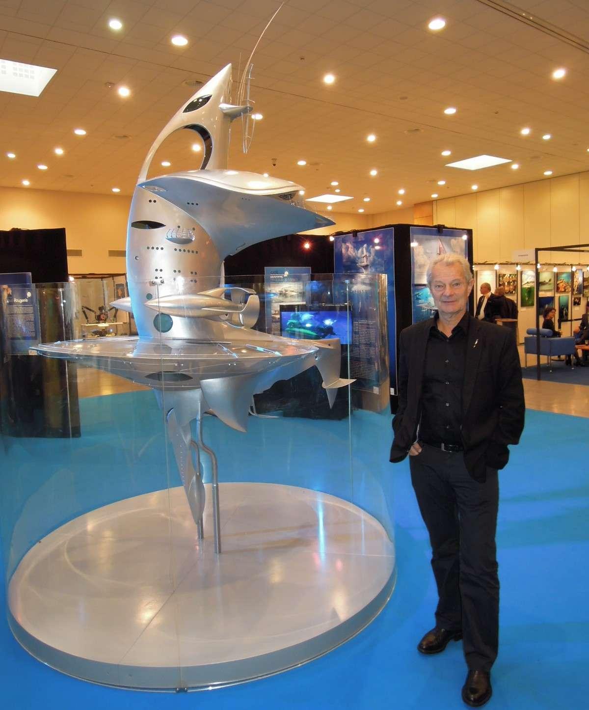 Jacques Rougerie, architecte et grand plongeur, espère que son laboratoire océanographique, le Sea Orbiter, verra la mer à partir de l'été 2014. © Jean-Baptiste Feldmann