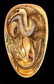 Sur cette vue d'artiste, ce probable ancêtre des oiseaux attend l'éclosion depuis 121 millions d'années. Rien à voir avec nos oisillons nus et fragiles : à peine éclos, il pouvait sans doute quitter le nid.Zongda Zhang, Science.