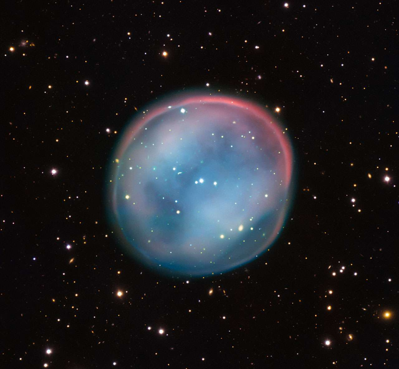 Cette image de l'objet ESO 378-1, la meilleure obtenue à ce jour, a été réalisée avec le VLT dans le cadre du programme Joyaux Cosmiques de l'Eso qui vise à produire, à des fins d'enseignement et de diffusion auprès du grand public, des images d'objets intéressants, intrigants ou visuellement attrayants, au moyen des télescopes de l'Eso. © Eso