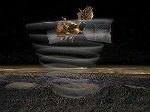 De son orbite basse, MRO examinera en détail la surface et les couches basses de l'atmosphère de Mars (Crédits : NASA)