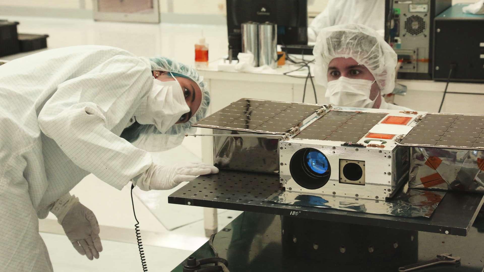Asteria mesure à peine 10 cm de haut pour 30 cm de large. © Nasa, JPL-Caltech