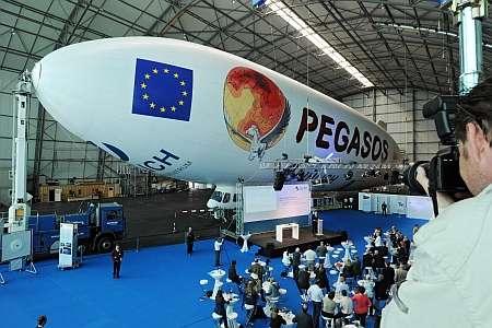 Le zeppelin du projet Pegasos peu de temps avant son décollage qui a eu lieu en Allemagne. © Forschungszentrum Jülich