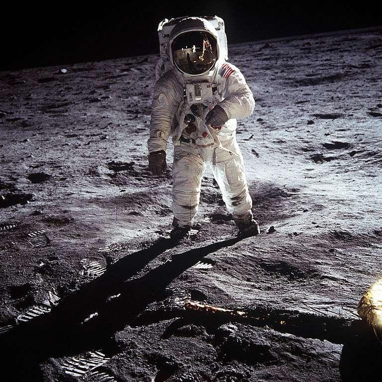 Buzz Aldrin marche sur la Lune. La mission Apollo 11, en 1969, constitue l'un des moments forts du programme Apollo. © Nasa