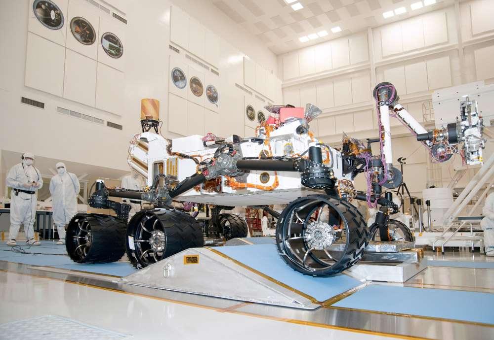 Afin de réduire les risques technologiques et de faire des économies significatives, la Nasa a décidé de réutiliser la plateforme de Curiosity pour son rover de 2020. L'objectif est de réaliser une économie d'environ 1 milliard de dollars par rapport à Curiosity, dont le coût total est estimé à 2,5 milliards de dollars. © Nasa, JPL-Caltech