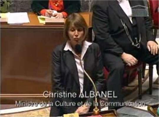 Christine Albanel, ministre de la Culture et de la Communication, au cours d'une discussion sur la loi Création et Internet devant le Parlement. © Assemblée nationale