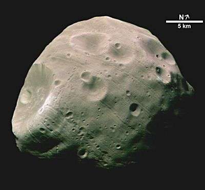 Phobos, vue par Mars Global Surveyor