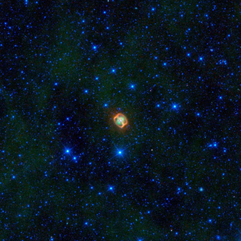 L'étrange structure en double anneau de la nébuleuse planétaire NGC 1514, révélée par le télescope spatial infrarouge Wise. © Nasa/JPL-Caltech/UCLA