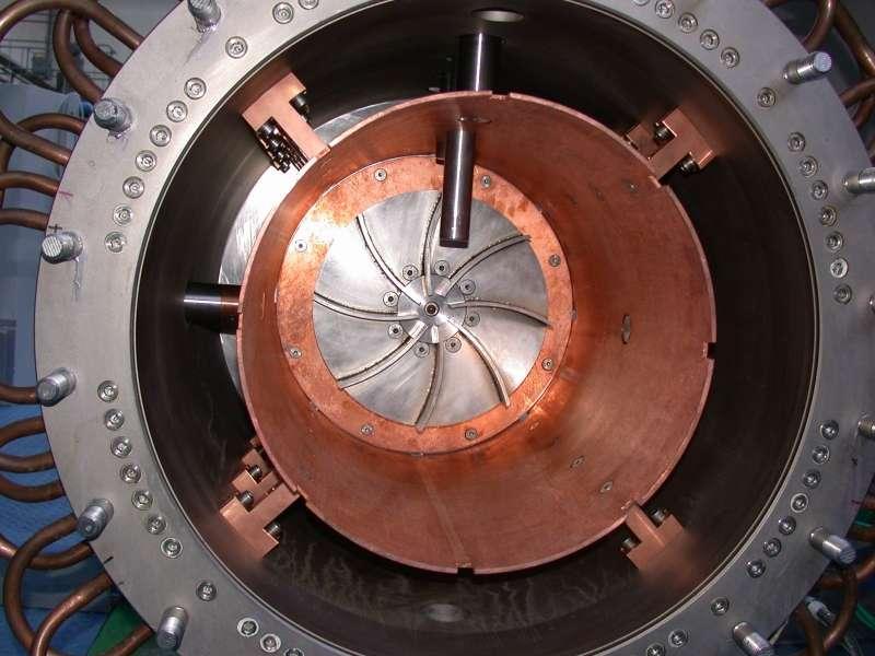 Un réservoir à sodium de l'expérience VKS. © VKS Collaboration