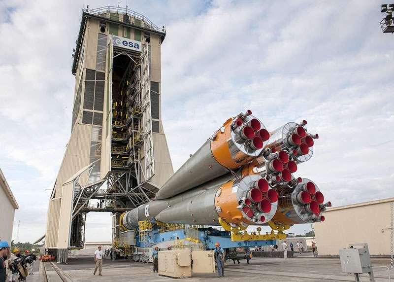 Le lanceur Soyouz installé sur son pas de tir du Centre spatial Guyanais. © Esa, Cnes, Arianespace