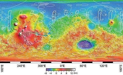 Cette image montre les endroits des cratères souterrains détectés par MARSIS en juillet 2005. La différence de relief entre les deux hémisphères est frappante. Crédit ESA.