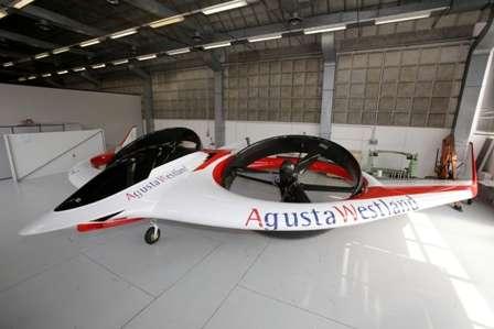Le Project Zero au sol. Les rotors de ce convertible avion-hélicoptère sont en train de basculer. © AgustaWestland