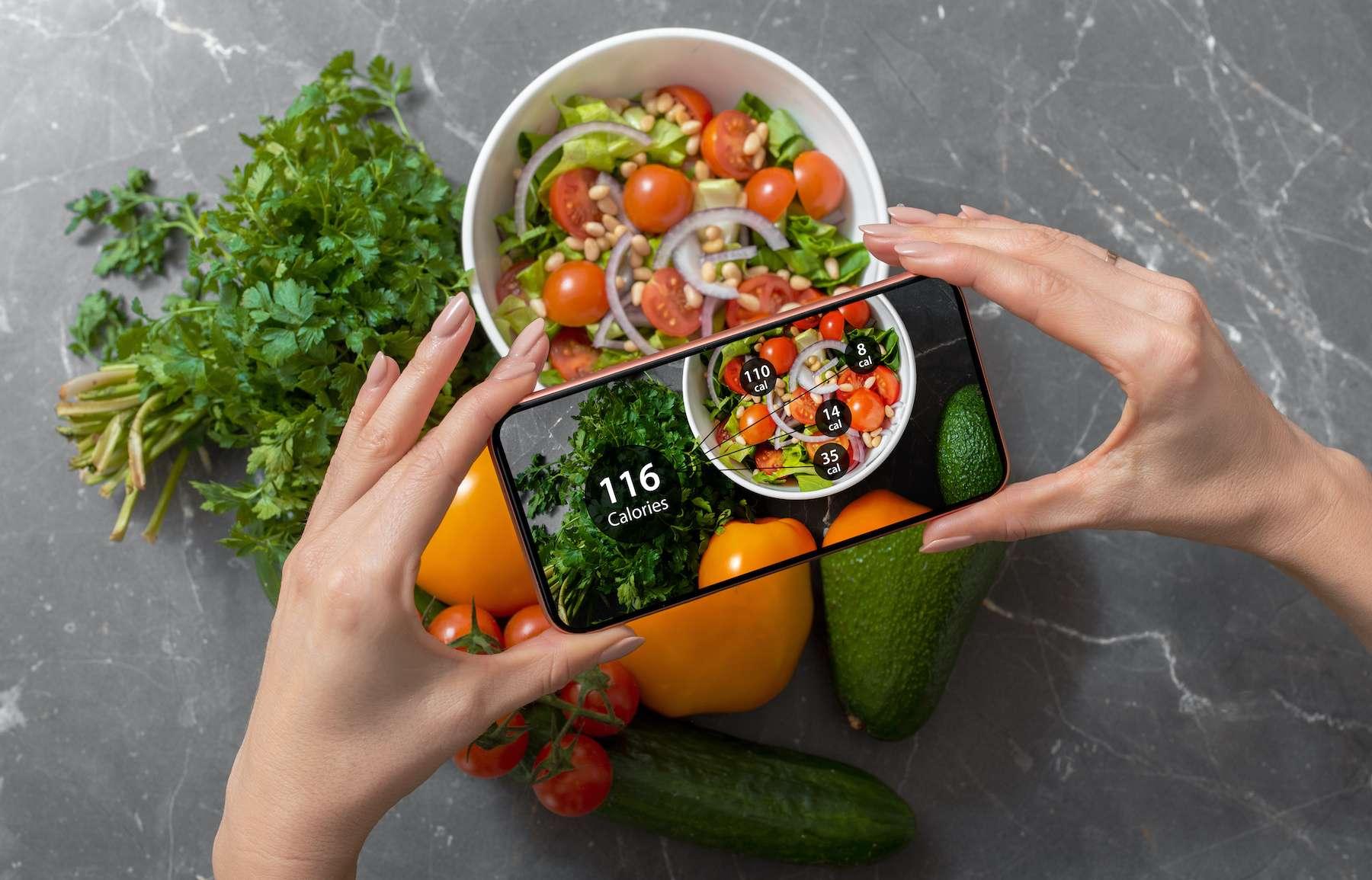 Cette intelligence artificielle calcule le nombre de calories réellement ingurgitées lors d'un repas. © Kaspars Grinvalds, Adobe Stock