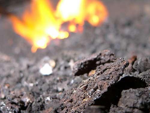 Les mâchefers sont des déchets d'incinération composés en grande partie de métaux. © Zigazou76 CC by