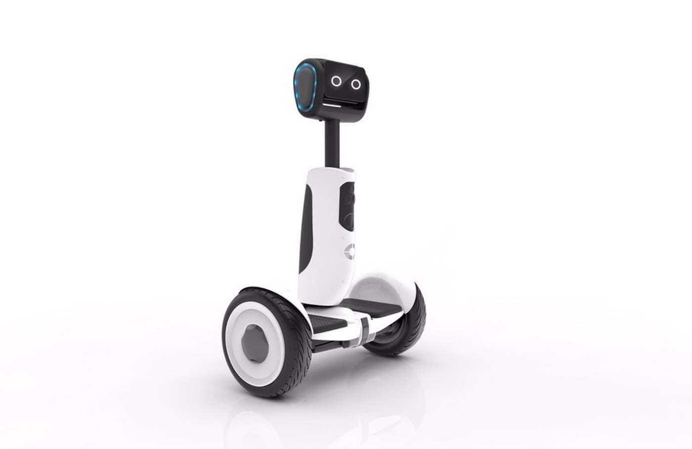 Ce sympathique petit robot se transforme en gyropode Segway et vice versa. © Segway Inc.