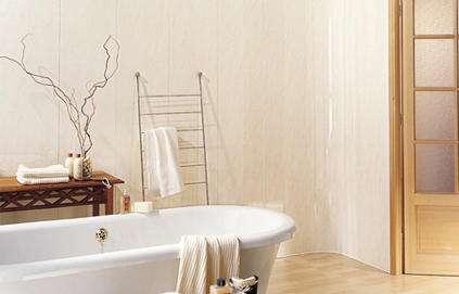 Le lambris, idéal pour les salles de bain, se pose également dans les chambres, les bureaux... © deco.fr