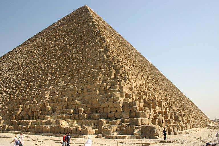 Un lien souterrain vers la pyramide de Khéops sera-t-il révélé ? Source Commons