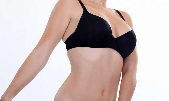La compression des seins peut-elle induire un risque plus élevé de cancer du sein ? Une étude menée aux États-Unis ne montre aucune incidence. © Phovoir