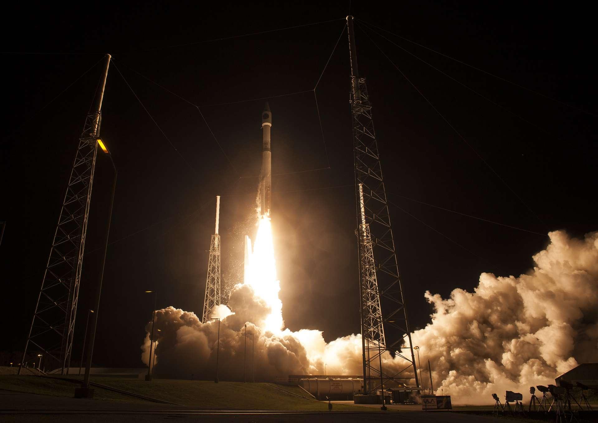 Une fusée Atlas V au décollage en 2015. © Nasa/Aubrey Gemignani, Flickr, CC By-NC-ND 2.0