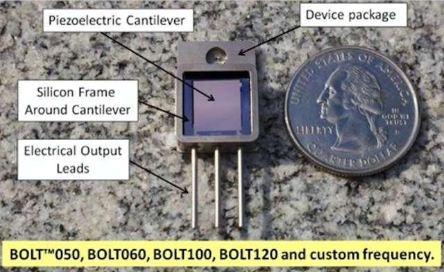 La génératrice d'électricité du Bolt repose sur un tout petit volet (piezoelectric cantilever) qui se balance au gré des vibrations. Il est entouré d'un cadre en silicium (silicon frame around cantilever) et le courant électrique est conduit vers un condensateur ou une minibatterie via de petites pattes métalliques (electrical output leads). Le Bolt est prévu en plusieurs versions adaptées aux fréquences des vibrations. © MicroGen Systems