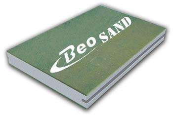Exemple d'isolant thermo-acoustique. Panneau sandwich à âme de polystyrène expansé, offrant une protection significative contre les bruits extérieurs. En 120 mm d'épaisseur : R 1 = 16,8 à 17,4 dB sous une fréquence de 125 Hertz, jusquà 61,2 dB sous 4.000 Hertz. © Beopan