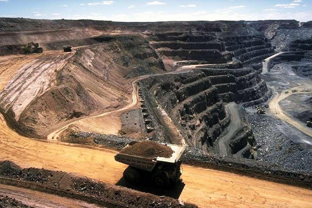 Une mine de charbon à ciel ouvert. © Stephen Codrington, wikipédia