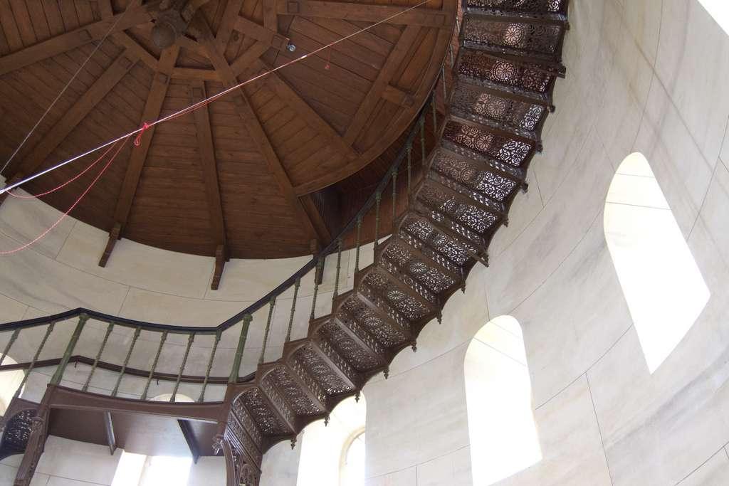 Rénover un escalier en fer forgé est relativement simple. © Quinet, Flickr, CC BY 2.0