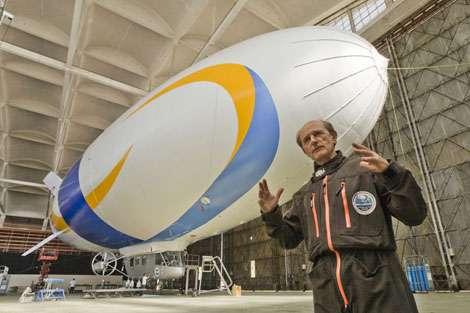 Le dirigeable de 55 mètres de longueur, gonflé à l'hélium, sera utilisé ensuite pour d'autres missions d'études de l'environnement. © JL Etienne