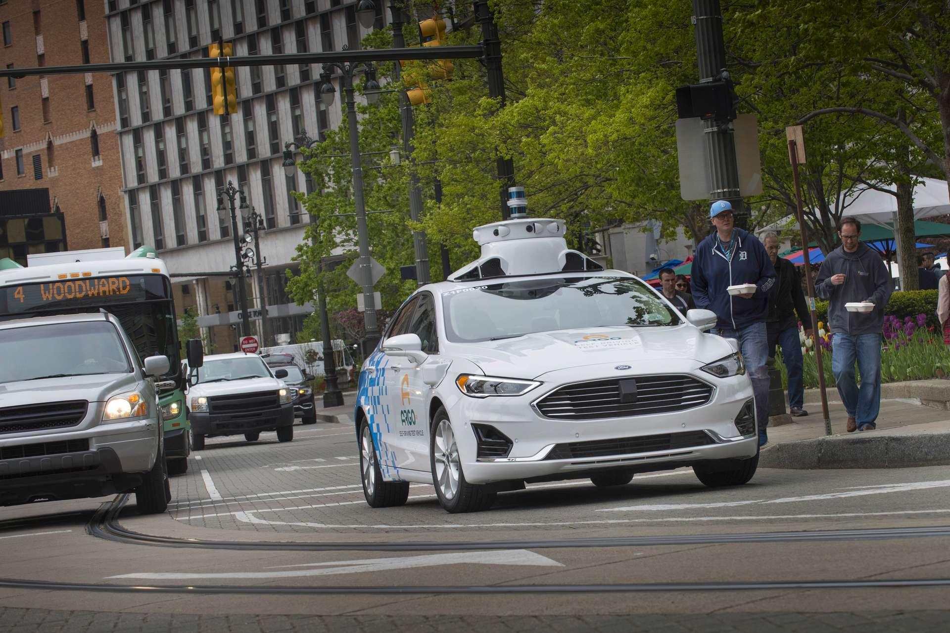 Faible durée de vie, surconsommation énergétique : la voiture autonome est loin d'être un modèle de développement durable. © Ford
