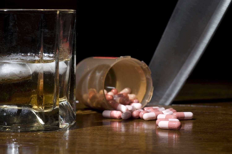 La popularité du baclofène, médicament bon marché, a explosé en 2008 avec la parution en France du livre Le dernier verre, d'Olivier Ameisen. © Gordo25, shutterstock.com