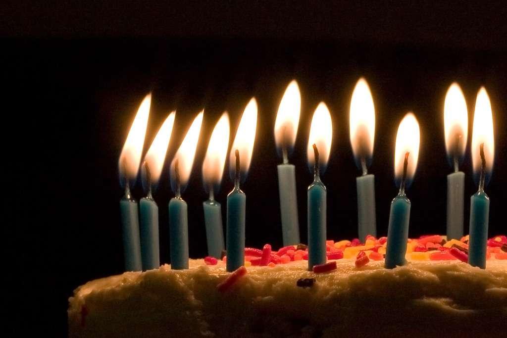 Le fameux rituel des bougies lors d'un anniversaire renforce le goût du gâteau. © Joey Gannon, Wikipédia, cc by sa 2.0
