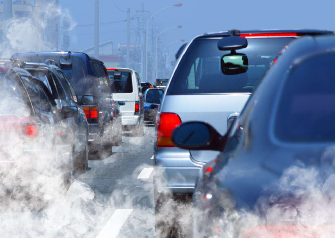 En France, la pollution de l'air par les particules reste importante et est, en partie, due au parc automobile. © ssuaphotos, shutterstock.com