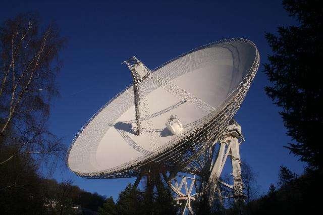 Une autre vue de l'un des radiotélescopes orientables les plus grands du monde, celui d'Effelsberg. Crédit : Max-Planck-Institut für Radioastronomie