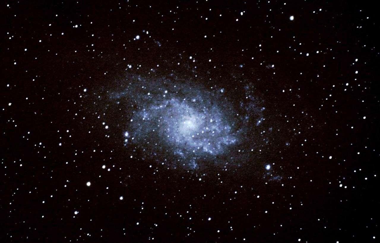 Messier 33 la belle galaxie spirale de la constellation du Triangle. © S. Le Brigand