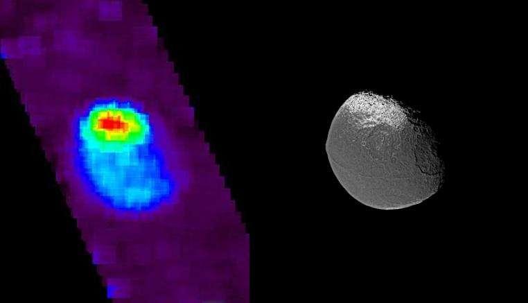 Japet en UV (Crédit : NASA).