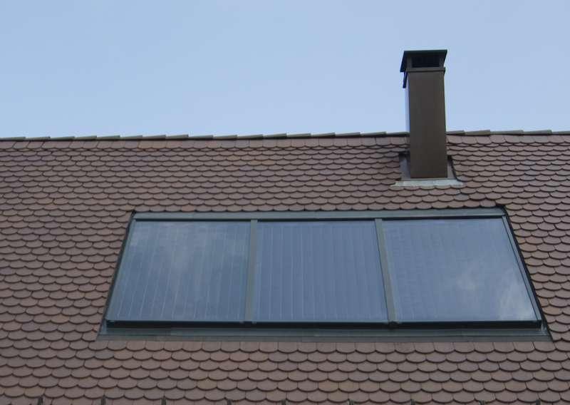 Capteurs solaires thermiques, pour le chauffe-eau solaire. © A. Bosse-Platière - Terre vivante