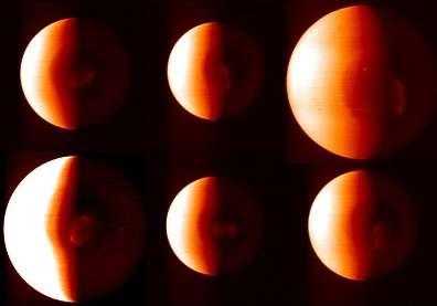 Image composite présentant six clichés infrarouges pris entre le 12 et le 19 avril 2006, à différentes distances, par l'instrument VIRTIS de Vénus Express Le double vortex est situé au centre des images, dans la zone sombre(Crédits : ESA/VIRTI