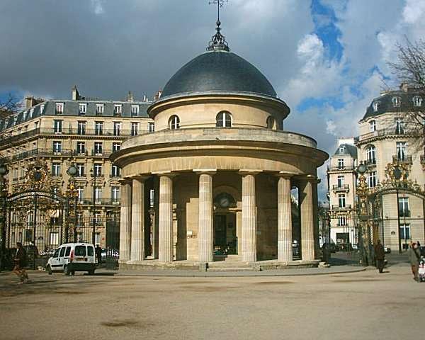 La rotonde du parc Monceau à Paris est l'ancien pavillon du mur des Fermiers généraux. © Gregory Deryckère, CC BY-SA 2.5, Wikimedia Commons