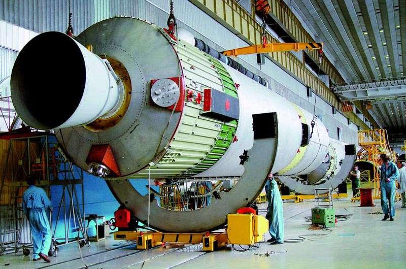 Les futurs lanceurs Angara auront la lourde tâche de pérenniser l'accès à l'espace et remplacer progressivement les fusées vieillissantes russes. Crédit Khrounitchev