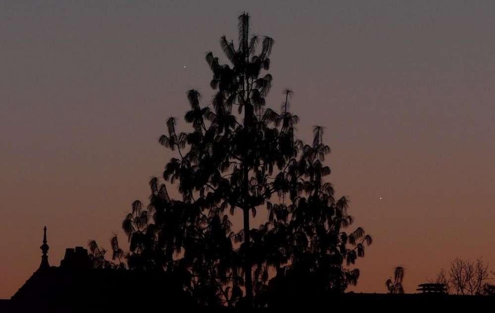 Le 3 janvier 2009, Mercure (à droite) avait déjà rendez-vous avec Jupiter, une configuration qui se renouvellera le 15 mars prochain. © J.-B. Feldmann