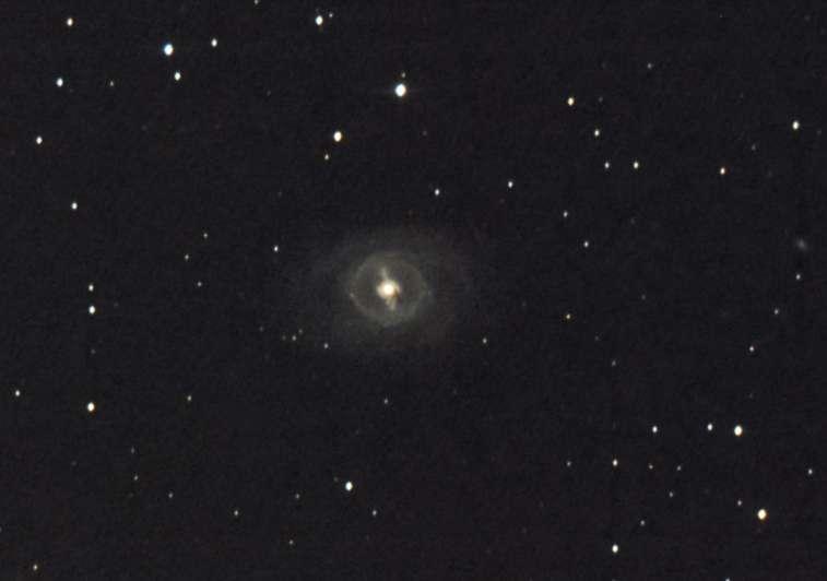 """Cette image a été réalisée par """"baf"""" (son pseudo sur le forum astro de Futura-Sciences) avec un appareil photo numérique réflex derrière un télescope de 150 mm de diamètre."""
