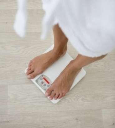 Pour maigrir durablement, le moyen le plus efficace reste une alimentation équilibrée accompagnée d'une activité physique régulière. De nombreuses substances amaigrissantes ont quant à elles été jugées toxiques par l'ANSM. © Phovoir