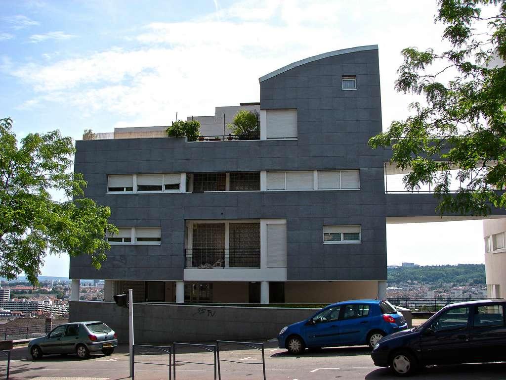 Un revêtement de façade permet de redonner un bel esthétisme à un bâtiment qui commence à accuser le poids des années. © Alexandre Prévot, CC BY-NC-ND 2.0, Flickr
