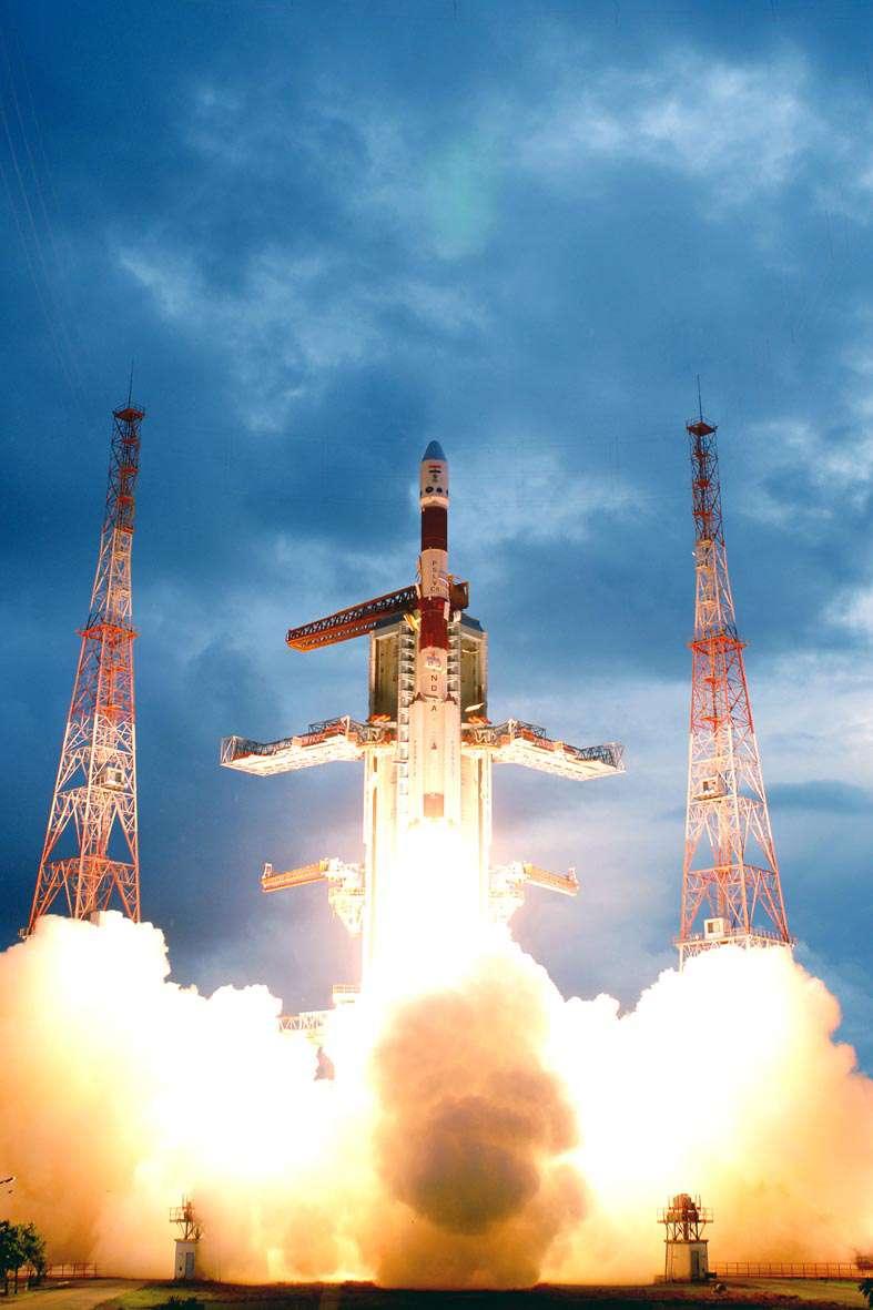 Lancement de Chandrayaan-1 en octobre 2008, première sonde d'exploration lunaire indienne. Crédit Isro