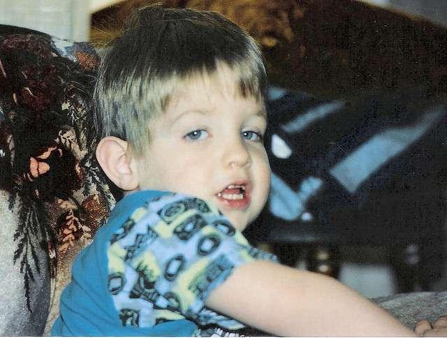 L'autisme infantile, souvent regroupé sous le terme générique d'autisme, se diagnostique avant 3 ans. Grâce aux thérapies proposées, l'enfant peut améliorer son état. Mais c'est un trouble dont on ne guérit pas encore. © cindy47452, Flickr, cc by nc sa 2.0